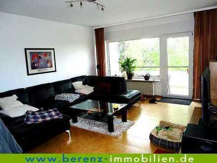 Schöne 2 ZKB mit großem sonnigen Westbalkon, Einbauküche und Einzelgarage