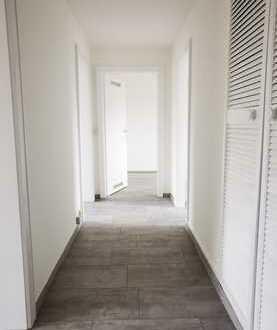 neu sanierte 3-Zimmer-Wohnung mit Dusche ab sofort zu vermieten