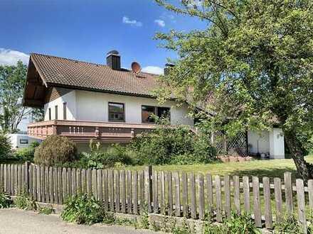 Tolle ruhige Lage – 160 m2 gr. EFH mit Garten und 2 Garagen in Engelsberg