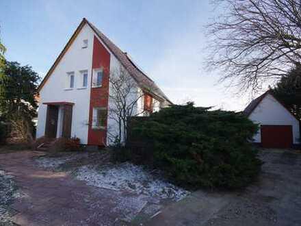 Schönes, geräumiges Haus mit sechs Zimmern in Wolfenbüttel mit großem Garten