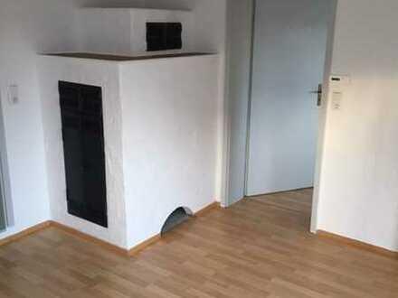 Renovierte 2,5-Zimmer-Altbauwohnung mit Einbauküche in Aichtal