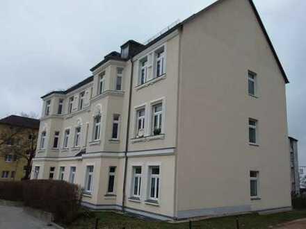 Helle geräumige 3- Raum Wohnung in Parknähe