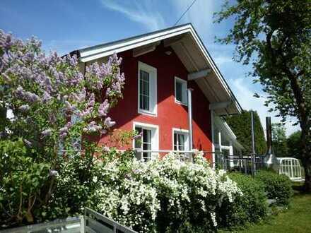 *extra-immobilien* sehr schönes EFH mit Aussicht, Schwimmbad und vielem mehr!