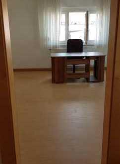24 qm WG-Zimmer in 5er WG sucht neuen Besitzer