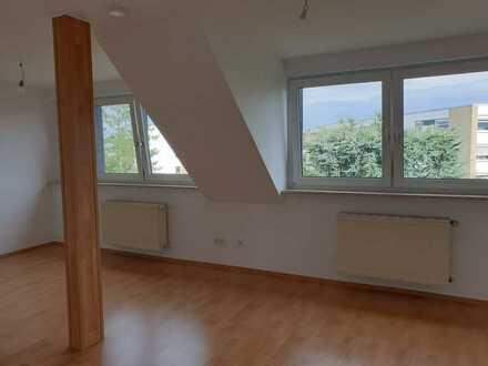 Komplett renovierte, gut aufgeteilte 2 Zimmerwohnung