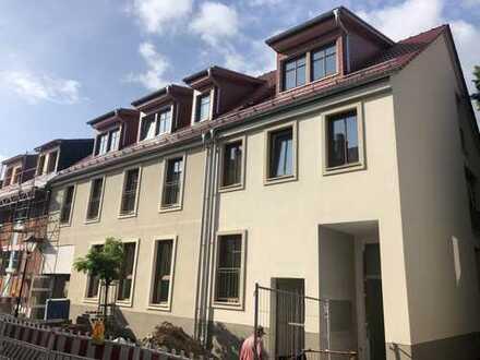 2-Zi-Wohnung! Neubau Erstbezug! Charmantes Haus in zentraler Lage in Neu-Isenburg mit Parkplatz!