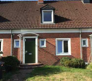 Schönes Reihenhaus mit vier Zimmernüü in Oldenburg, Wechloy