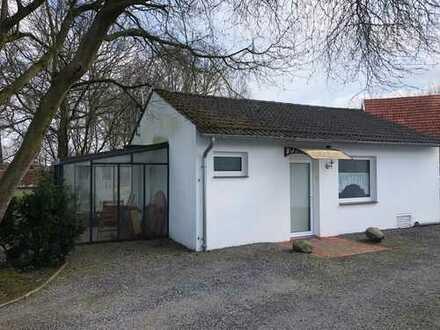 ****Kleines Haus mit zwei Zimmern, Küche, Bad zu vermieten****