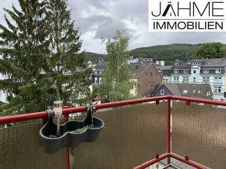TOP gepflegte Wohnung im Herzen Gevelsbergs mit zwei Balkonen, Einbauküche und Garage zur Miete!