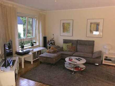 Sehr schöne 2-Zimmer Wohnung mit Balkon in toller Lage im Bi Westen