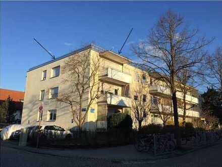 S-Bahn-nahe, vollständig renovierte 3-Zimmer-Wohnung mit Balkon und Einbauküche in Germering