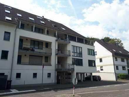 Sehr schöne Single-Wohnung mit Terrasse