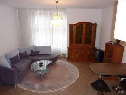 Stilvolle, modernisierte 2-Zimmer-EG-Wohnung mit Einbauküche in Baden-Baden