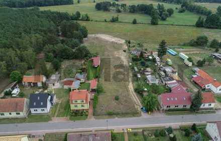 Ca. 10.000 m² großes Baugrundstück in idyllischer Lage von Staakow ca. 30 km südlich von Berlin