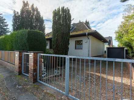 Nette Familie gesucht! Freistehendes Einfamilienhaus in ruhiger Grünlage in Berlin-Rudow