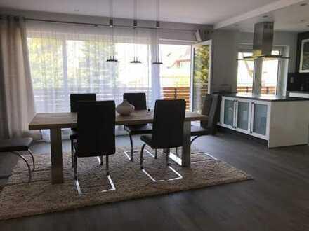 Luxuriöse 3-Zimmer Wohnung in begehrter, sehr ruhiger Lage in Altenfurt.