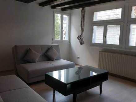 Vollständig renovierte Wohnung mit drei Zimmern und Einbauküche in Essen
