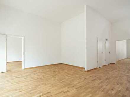 Traumhaft schöne und geräumige 4- Zimmer- Wohnung mit Balkon!