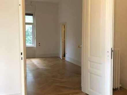Exklusive, vollständig renovierte 5-Zimmer-Wohnung mit 4 Balkonen in Heidelberg