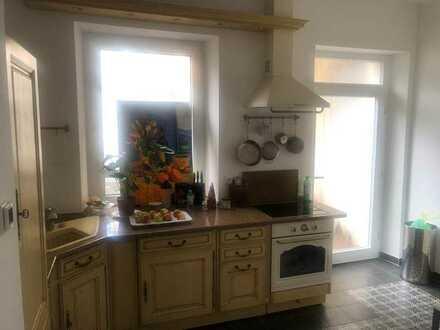 Gepflegte möblierte 2-Raum-EG-Wohnung mit Einbauküche in Baden-Baden