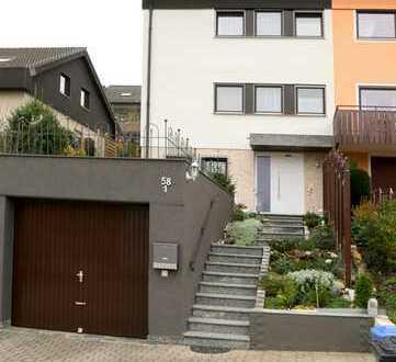 ***Doppelhaushälfte in toller Lage von Weissach***