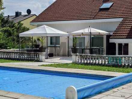 Modernes Einfamilienhaus auf 3 Ebenen mit rentabel vermieteter Einheit - nur 45 Min von München