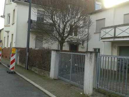 Vollständig renovierte 1-Raum-Wohnung mit Einbauküche in Eppelheim