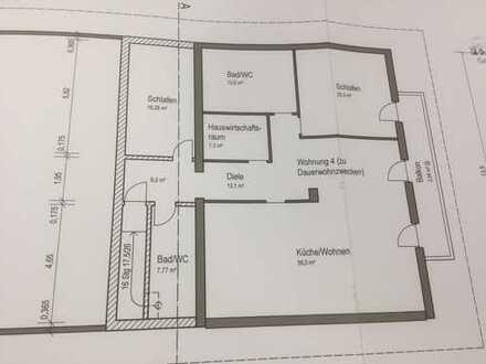 Neuwertige 3-Zimmer-DG-Wohnung mit Balkon, Bergblick und Einbauküche in Großweil