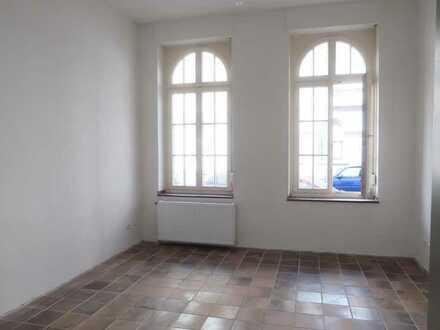 Zentrale und helle 2 Zimmer-Wohnung; Frisch Renoviert in Aachen-Mitte
