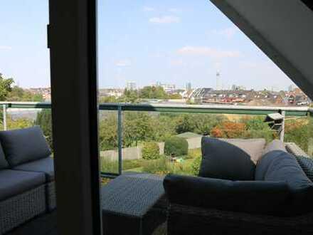 AdB 36 - Exklusive, geräumige und gepflegte 1,5-Zimmer-Maisonette-Wohnung mit Balkon in Düsseldorf