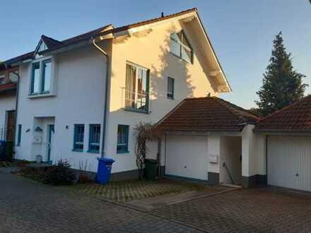 Schöne helle und gut geschnittene 2-Zimmer-Wohnung in Reinheim