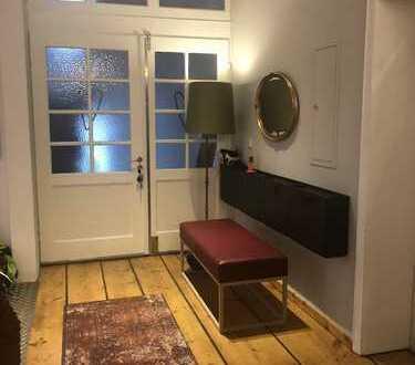 Gepflegte 7-Zimmer-Wohnung mit Sauna, Balkon und EBK in Bayeuth