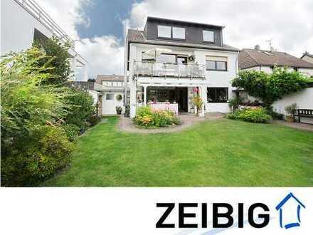 Wunderbar gepflegtes, freistehendes Zweifamilienhaus in Beliebtlage mit viel Platz & inkl. Garage
