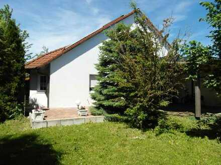 Schönes, geräumiges Haus mit vier Zimmern in Neuburg-Schrobenhausen (Kreis), Königsmoos