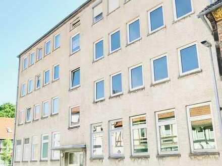 RAUM ZUM ENTFALTEN: 4-Zimmer Wohnung im 2. Obergeschoss mitten im Zentrum!