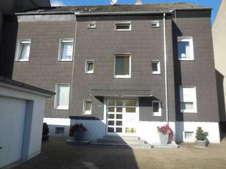 Renovierte 3 Raum Wohnung mit Duschbad