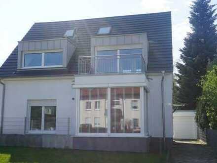 Schönes, geräumiges Einfamilienhaus mit sieben Zimmern in Stuttgart, Möhringen