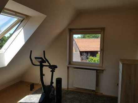 Schöne, gepflegte 1-Zimmer-Dachgeschosswohnung in Oberkirch