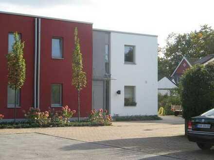 Schönes, geräumiges Architektenhaus mit traumhaftem Süd-Westgarten