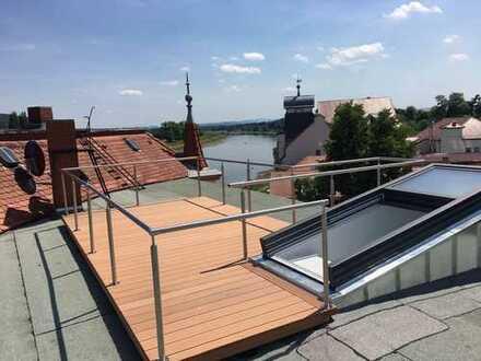 Neuwertige 4-Zimmer-DG-Wohnung mit Dachterasse und EBK in Dresden