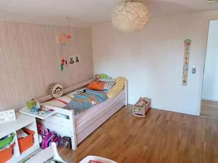 Schöne Wohnung mit Einbauküche und großzügigem Garten am See in Schöntal