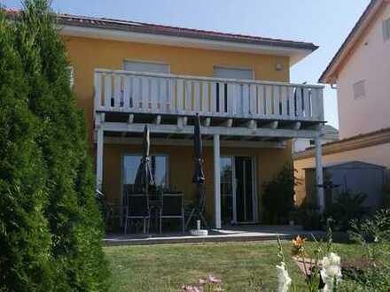 Tolle Doppelhaushälfte im Toskanastil