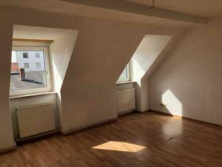 2 Zimmer Dachgeschosswohnung Bremerhaven Mitte