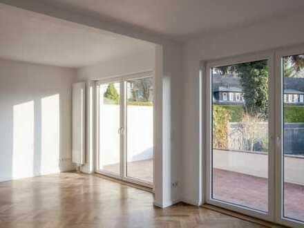 Liebevoll saniertes Einfamilienhaus mit 3 großzügigen Zimmern, Garage, Terrasse & Garten