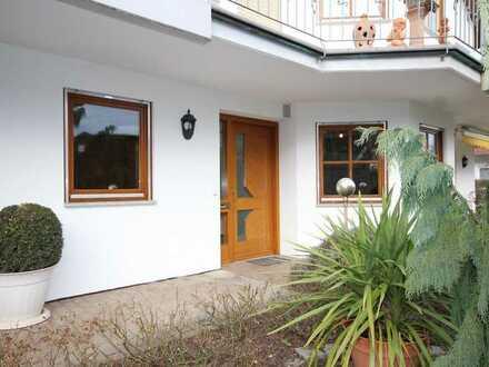 Sonnige Einliegerwohnung mit Terrasse und Einbauküche in Top-Lage von Rottenburg