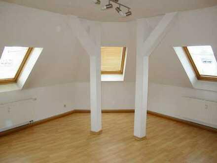 Modernisierte 2-Raum-Dachgeschosswohnung in Zwickau