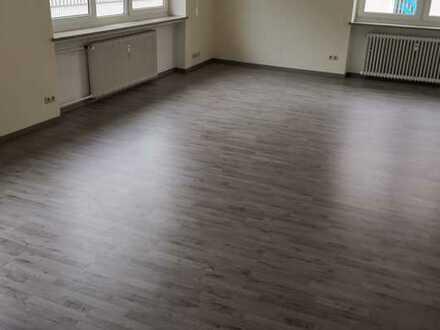 Erstbezug nach Sanierung: freundliche 5-Zimmer-Wohnung in Weiden