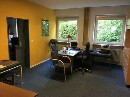 Praxis/Büroräume Nähe ALEX-Center ab 1.1.2020 zu vermieten (160 bis max 250 qm)