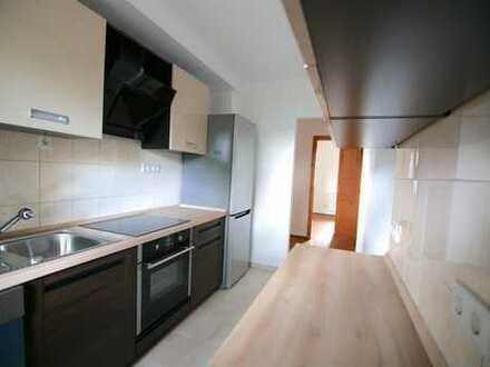 Frisch saniert! 5 ZKB-Wohnung mit hochwertiger Einbauküche und neuem Badezimmer
