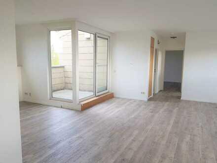 neu renovierte Dachgeschoßwohnung mit Loggia (offene Küche) Marshall-Heights-Ring 30